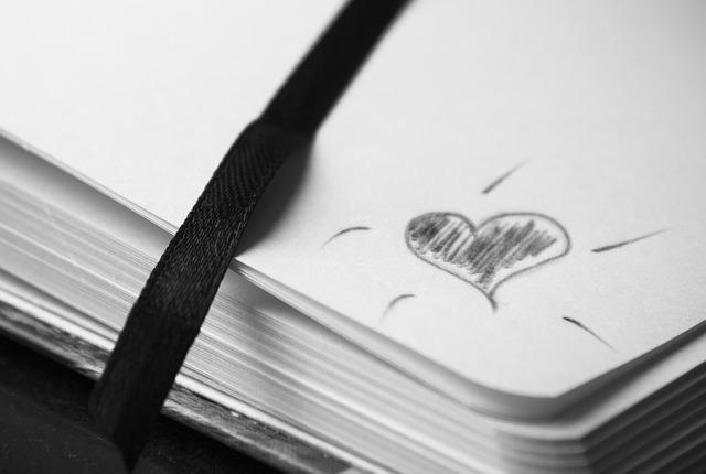 notebook-2247351_640