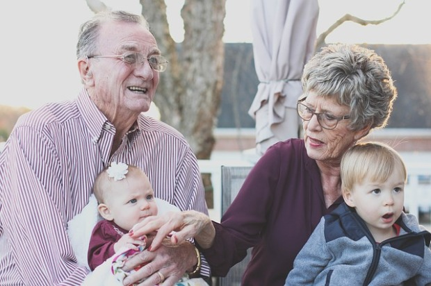grandparents-1969824_640